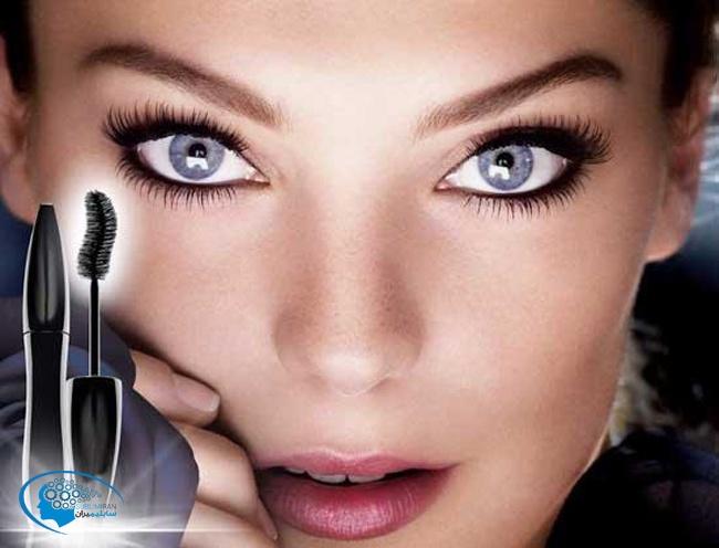 درشت کردن چشم با آرایش با استفاده از ریمل، فر مژه، محو کردن، سایه، مژه مصنوعی و ...
