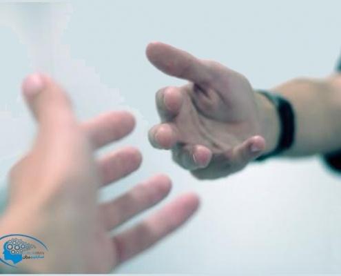 فواید عفو و گذشت خطاهای خود و دیگران از منظر قرآن و روایات اسلامی